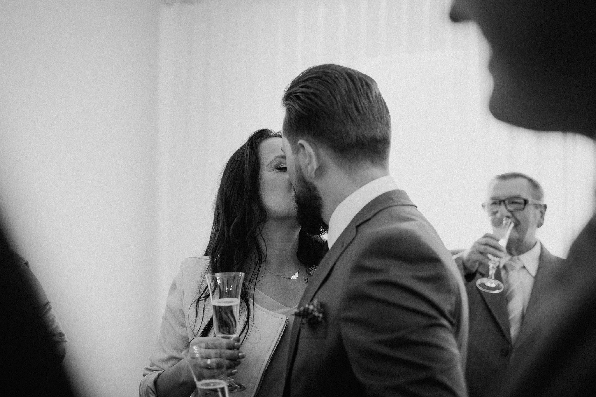 pocalunek nowozency
