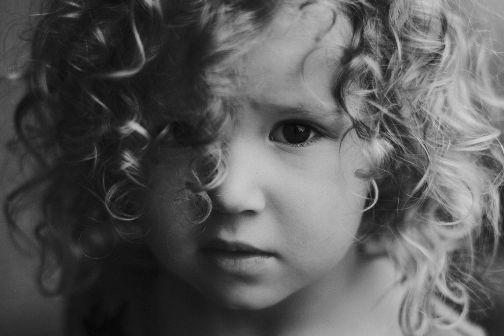 artystyczny portret dziewczynki