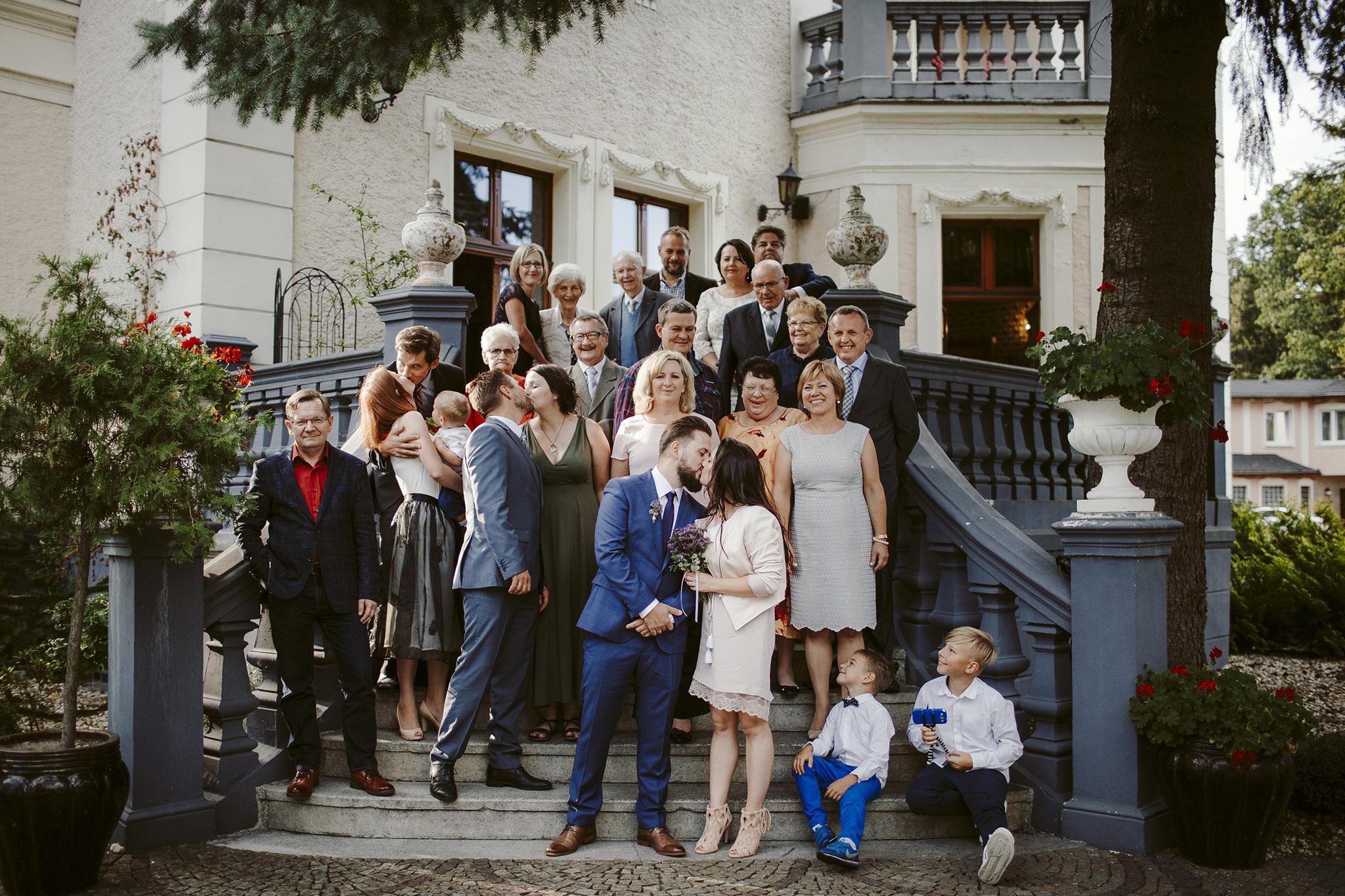 zdjecie grupowe wesele